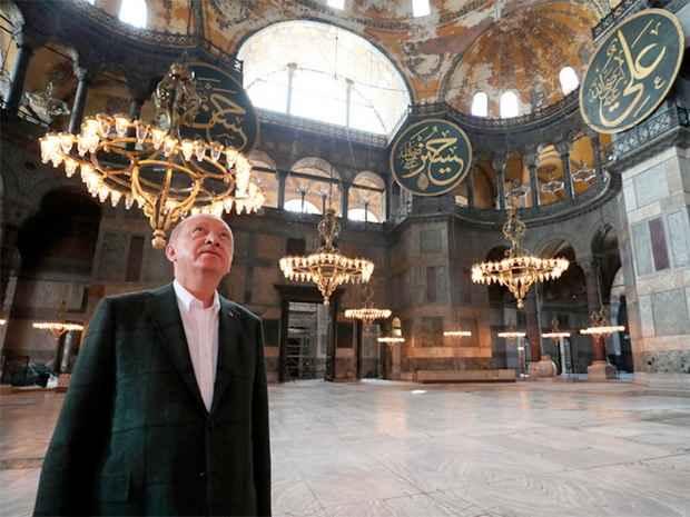 Эрдоган лично проверил подготовительные работы в мечети Айя-София