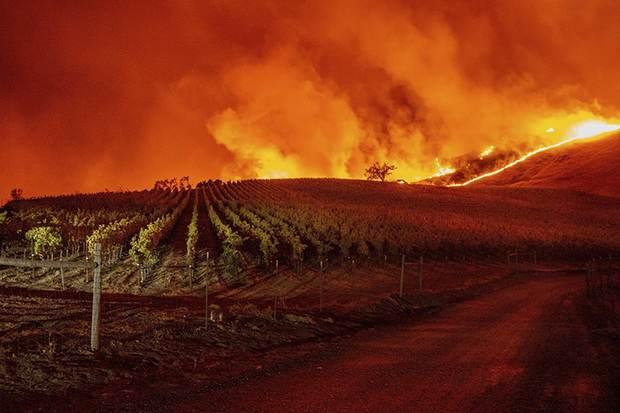 В Калифорнии не утихают природные пожары