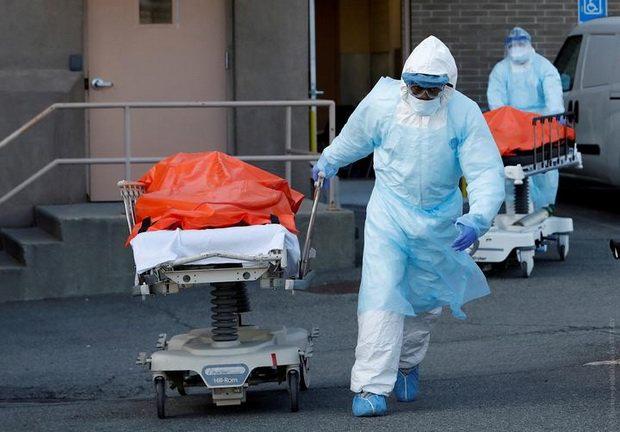 Декларация о чрезвычайной ситуации позволяет властям штатов получить средства федерального правительства на борьбу с распространением инфекции.