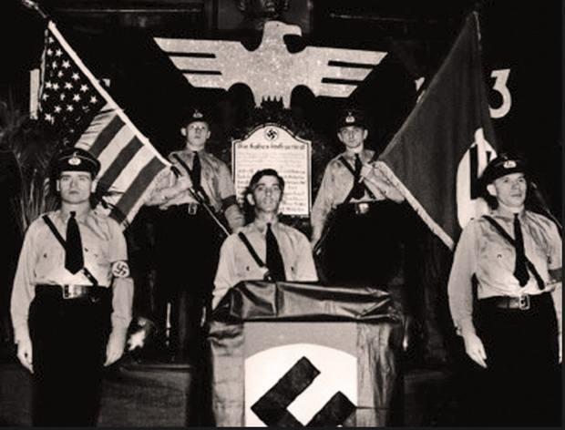 В разгар войны Рокфеллеры, владевшие компанией, поставили через подставные фирмы нацистам гигантскую партию хлопка (10.000 тонн), из которого производят порох.