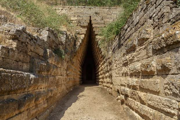 Царский курган в Керчи обнаружили еще 150 лет назад, однако исследователи до сих пор не нашли ответы на главные вопросы.