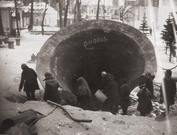 Активная антицерковная кампания началась в 1929 году - одновременно с первым рывком индустриализации.