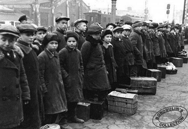 Отцы на фронт, дети на заводы. 1941