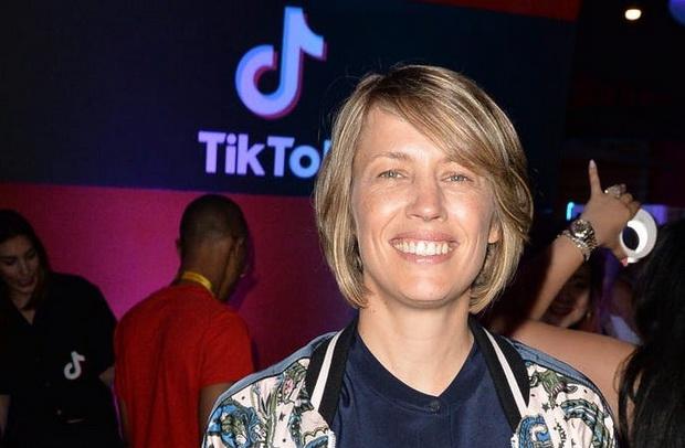"""""""Мы не планируем никуда уходить"""", - заявила в сообщении в соцсети директор TikTok по Северной Америке Ванесса Паппас, добавив, что приложение безопасно для личных данных."""