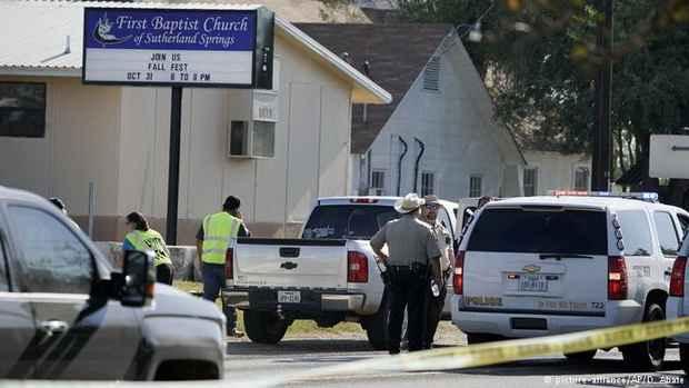 Десятки человек погибли в США в результате стрельбы в церкви