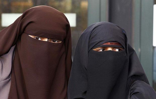 Парламент Дании запретил носить бурку и никаб в общественных местах