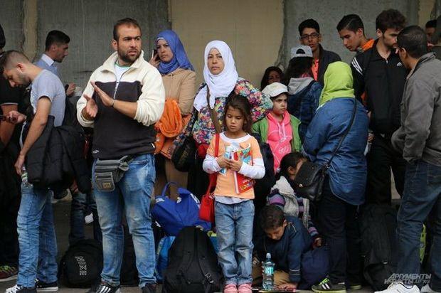 Афины согласились принять обратно всех просителей убежища, которые первоначально прибыли в Грецию, но в конечном итоге переехали в ФРГ, пересекая австрийско-немецкую границу. Пока не ясно, что Греция получит взамен.