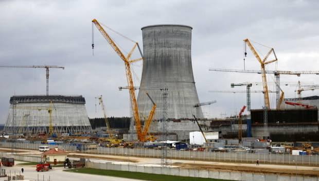 Строители Островецкой АЭС требуют зарплат и грозят скандалом