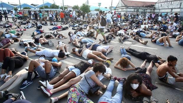 Бушующие уже 10 дней протесты в США нашли отклик не только в прогрессивной Европе, но и в Латинской Америке.