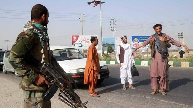 Талибы захватили столицу провинции Фарах на границе с Ираном