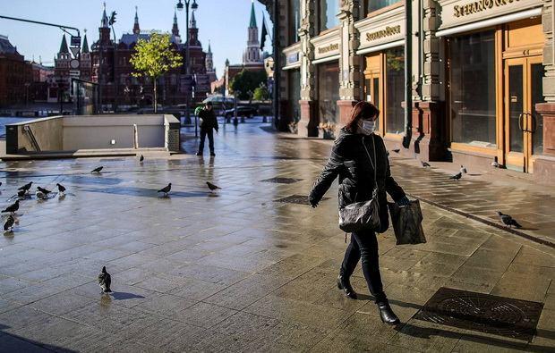 """Причиной такого шага называется """"значительное изменение на протяжении последней недели"""" числа инфицированных в Испании, которая является одним из самых популярных направлений летнего отдыха британцев и вследствие этого намерение Лондона """"ограничить любое возможное распространение [вируса] в Великобритании""""."""