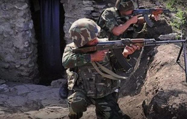 Представитель штаба российских миротворческих сил уточнил, что в Гадрутском районе была зафиксирована стрельба из автоматического стрелкового оружия.