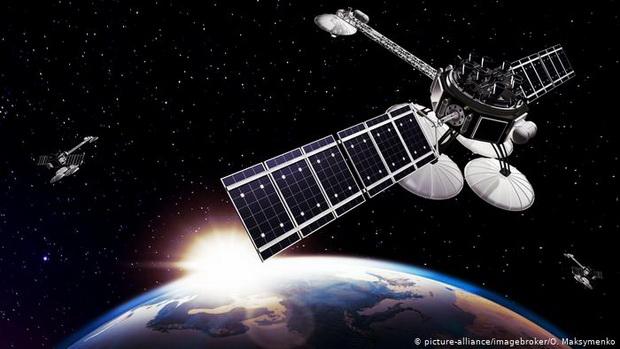 Спутники могут быть заблокированы радиосигналами, взломаны или оснащены оружием