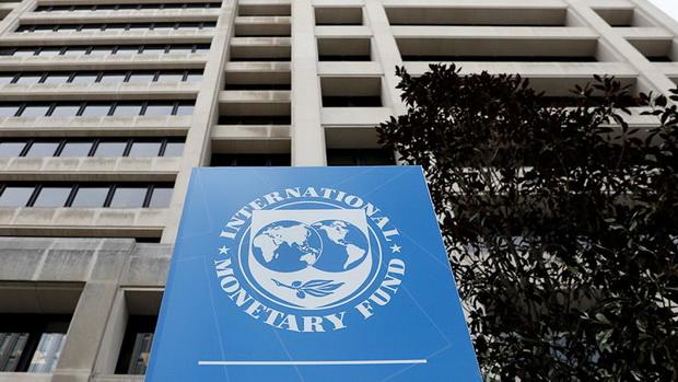 Выход глава МВФ видит в решении трех насущных задач.