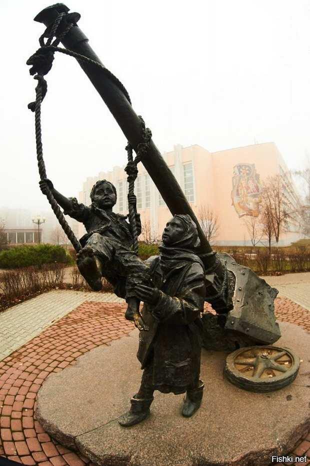 памятник детям войны г. Старый Оскол
