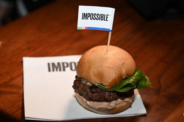 Компания Impossible Foods получила разрешение FDA на продажу заменителя мяса в продовольственных магазинах США
