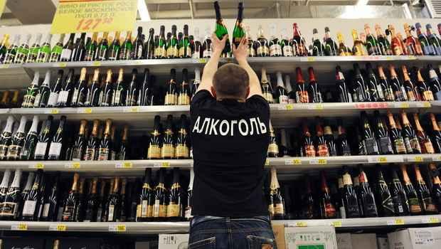 Собянин исключил ограничения на продажу алкоголя в Новый год