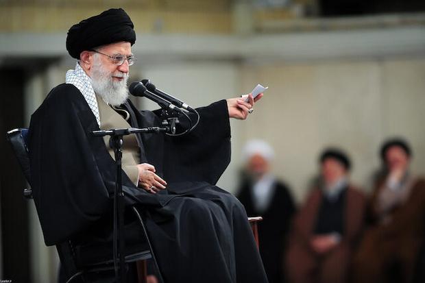 Иранский лидер указал, что власти США безрассудно бахвалятся своей смелостью.