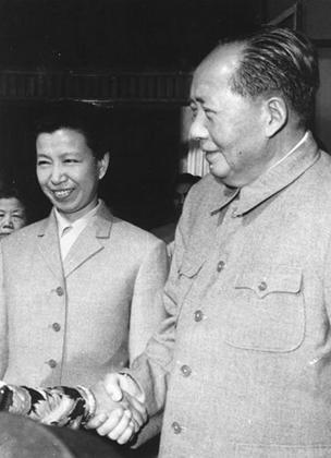 Мао с женой Цзян Цин (1966 год)
