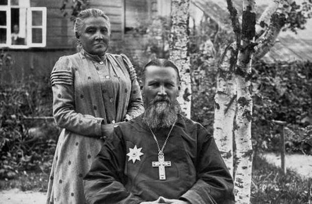 В декабре этого года исполняется 110 лет со дня кончины праведного Иоанна Кронштадтского — одного из самых знаменитых русских святых.