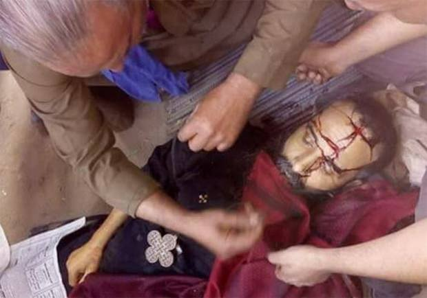 Каир: исламский экстремист зарубил коптского священника