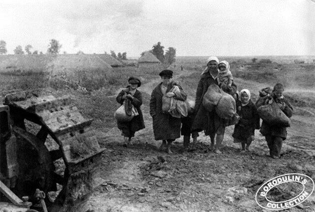 В поисках крова. Брянская область. 1943