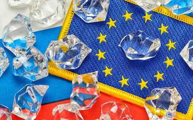 Европейский союз готов продлить еще на шесть месяцев санкции в отношении 149 лиц и 38 компаний, причастных к кризису на Украине.