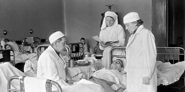 Ситуация становилась все хуже, и отчаянные попытки медиков что-либо изменить результата не давали. 29 декабря 1959 года Алексей Кокорекин скончался.