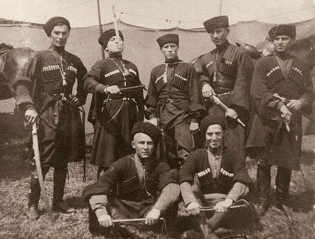 Пластуны или казачьи войска особого назначения несколько веков являлись достойной защитой русских земель.