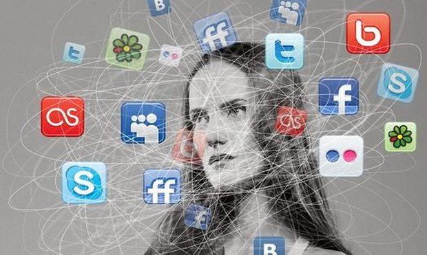 """Поэтому """"британские ученые"""" (на самом деле американские, это не мем) провели исследования и выяснили, что Фейсбук портит настроение."""