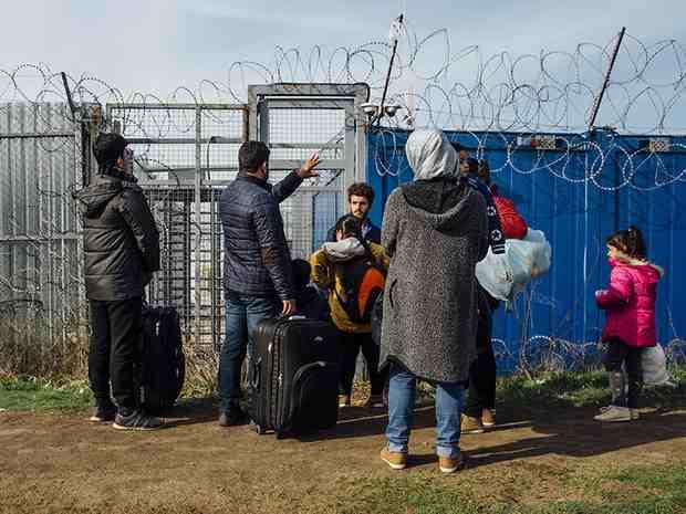 Еврокомиссия начала расследование в отношении Венгрии, Польши и Чехии из-за их отказа принимать мигрантов