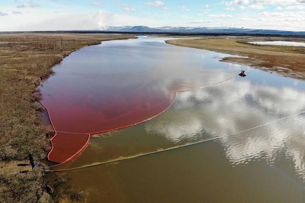 Режим ЧС федерального уровня ввели в Красноярском крае из-за разлива топлива в Норильске