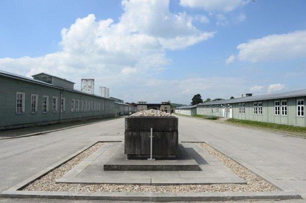Маутхаузен. Памятник жертвам фашизма. Изображение: newsland.com
