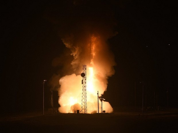 США запустили межконтинентальную баллистическую ракету Minuteman III