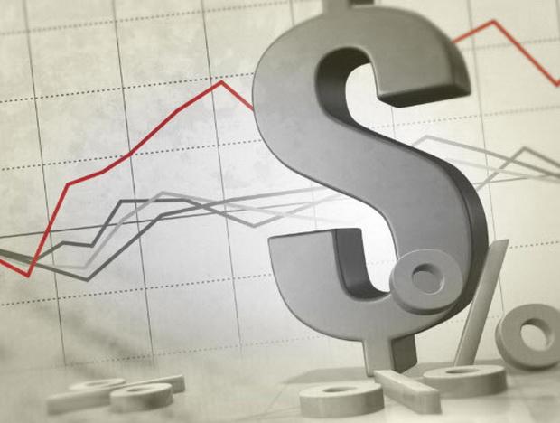 Внешний долг российских компаний, хотя и сократился за год с $331 млрд до $318 млрд, по оценке ЦБ, в рублевом выражении увеличился более чем на 3 трлн руб.