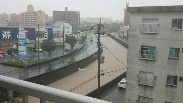 Из-за беспрерывных ливней на юге Японии эвакуируют более миллиона человек